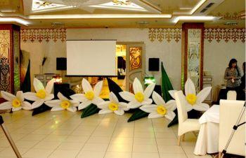 Пневмогирлянды цветов напрокат, Днепр