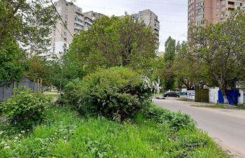 Предлагается к продаже угловой участок под бизнес или строительство жилого дома, Одесса