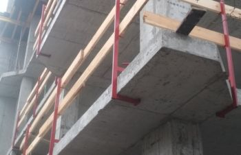 Стойка защитного ограждения строительной площадки, Киев